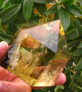 xd-j00843-AAA-NATURAL-CITRINE-SMOKY-QUARTZ-CRYSTAL-POINT-Healing--267x300